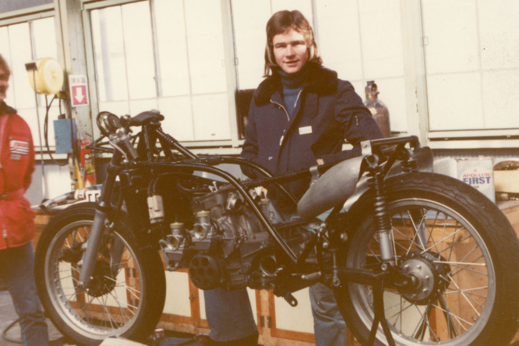 Barry Sheene with G-54 RG500