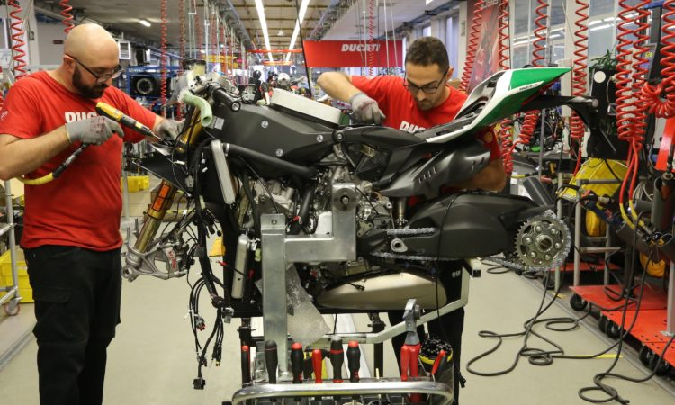 The last Panigale 1299 V-twins coming off the assembly line
