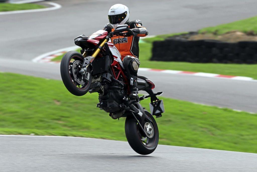 Middleweight Motard Mayhem Ducati Hypermotard 939 Sp Vs Ktm 790